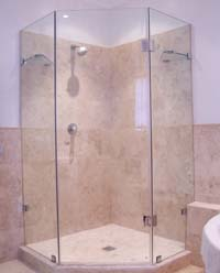 Custom frameless pentagonale showers